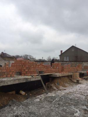 Строительство домов, кирпичная кладка, бетон  (фото id1061)