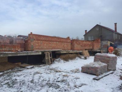 Строительство домов, кирпичная кладка, фундамент  (фото id1065)