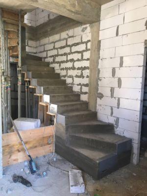 Бетонные работы - лестница (фото 8)