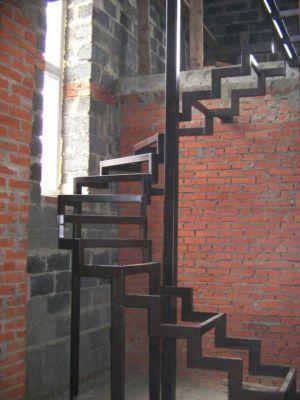 Сварные лестницы в Одессе (фото 3)