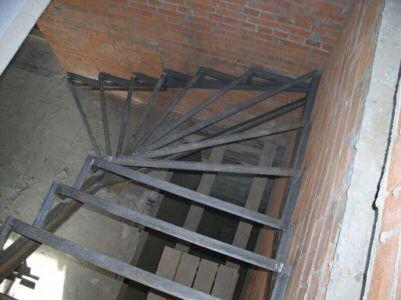 Сварные лестницы в Одессе (фото 2)