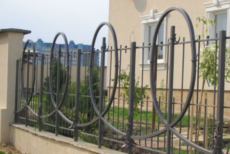 Заборы и ограждения в Одессе (фото 4)